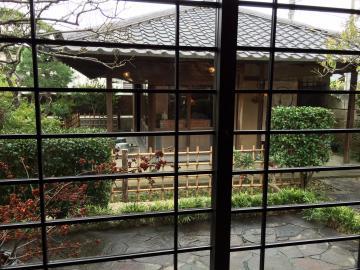 日本庭園を眺めながら、、、